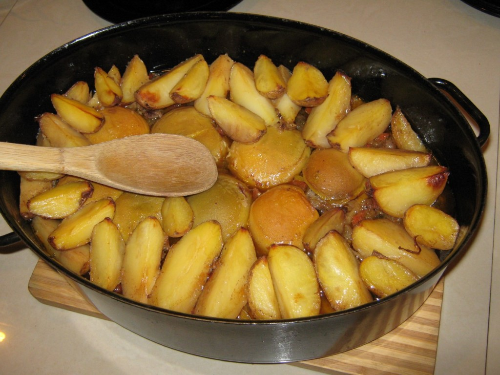 Daniel w brzoskwiniach z ziemniakami